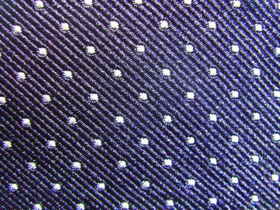 pajarita azul con lunares blancos